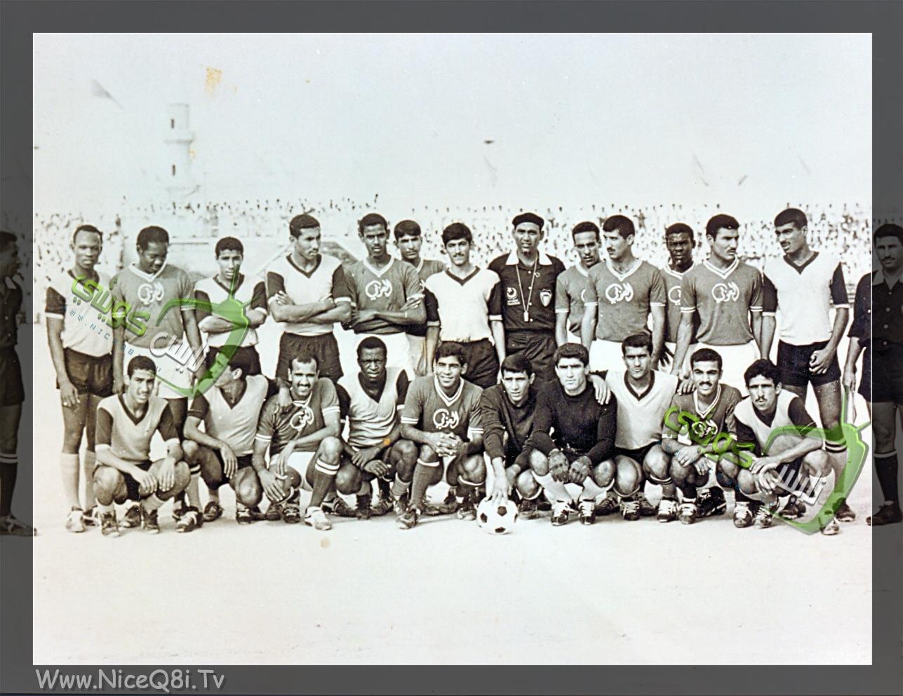 صورة جماعية للاعبي فريقي القادسية والعربي 196